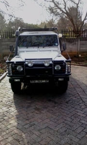 2000 Land Rover Defender 110 with extras