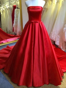 Extraordinary Evening Dresses In Discount